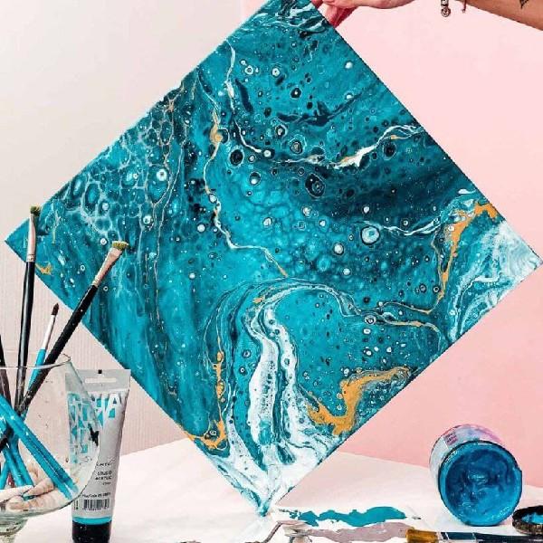 Арт-вечірка з абстрактного живопису FLUID ART з вином